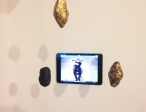 Elisabeth Smolarz In Saecula Saeculorum, 2014, video installation with plaster, gold leaves, and tablet