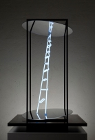 Limen #1, 2009, 120 x 80 x 80 cm, Iron, neon, plexiglass, mirror. © Photo Andrea Messana